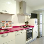 cocina encimera rosa